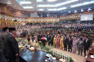 65 Anggota DPRD Riau Resmi di Ambil Sumpah dan Janji