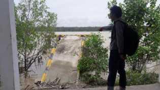 Dibangun Rp4 Miliar, Pelabuhan Polair Rohil Baru Usia Jagung Sudah Roboh