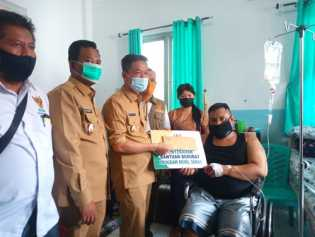 Sambil Salurkan Bantuan, Bupati dan Wakil Bupati Rohil Sidak SRUD Bagansiapiapi