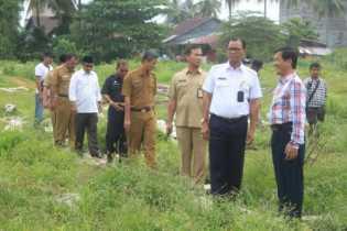 Bupati Suyatno Tinjau Pembangunan Water Park dan Plaza