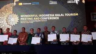 Menteri Pariwisata Beri Penghargaan Kota Pekanbaru Sebagai Kota Destinasi Wisata Hala