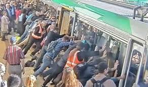 Ribuan Orang Terjebak di Stasiun Kereta Tiongkok