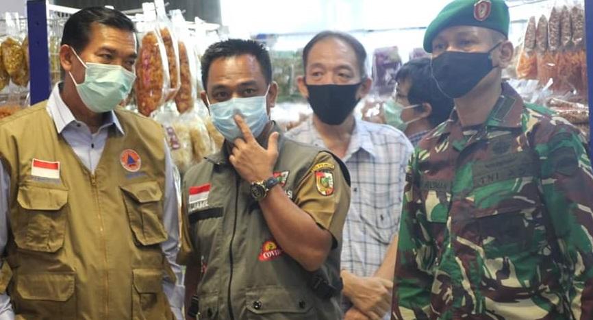 Penerapan New Normal, Gubri dan Walikota Sidak Pasar Buah Pekanbaru
